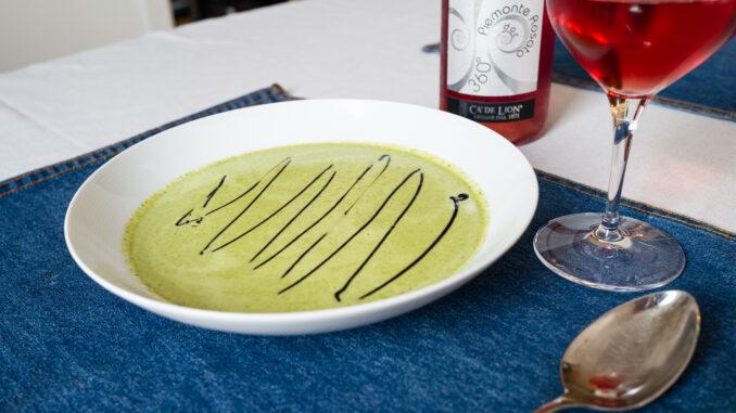 Örtig grönkålssoppa